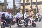 Nhiều lo lắng nếu lái xe điện, xe gắn máy dưới 50cm3 không cần bằng lái