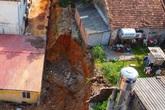 """Sập công trình ở Phú Thọ khiến 4 người chết: Tự ý thi công hay """"dọn dẹp"""" đón khai giảng?"""