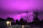 Chuyện kỳ lạ: Bầu trời đột nhiên tím ngắt ở Mỹ