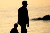 Chồng làm đơn đề nghị xét nghiệm quan hệ huyết thống giữa vợ và con gái chỉ vì một