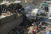 Rơi máy bay Pakistan chở gần 100 người