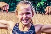 Hình ảnh bé gái 10 tuổi rèn cơ bụng 6 múi, cơ bắp cuồn cuộn