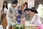 """Trong ngày cưới, quan khách ngỡ ngàng với """"quà khủng"""" mà mẹ chồng trao cho con dâu nhưng chỉ có tôi là biết sự thật"""
