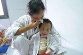 Xót xa bé 5 tuổi mồ côi chờ chết vì nhiễm trùng nặng