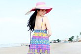 Mỹ nhân Việt rực rỡ với thời trang biển