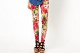 Bí kíp mặc quần bò nữ in hoa đẹp đúng điệu