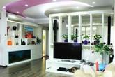 Nhà 150m² quyến rũ nhờ màu tím