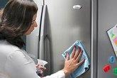 Vệ sinh tủ lạnh đúng cách: Không phải ai cũng biết!