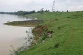 Hàng nghìn người dân lo sợ vì đê sông Chu bị sạt lở trong mùa lũ