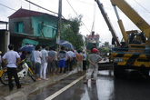Thanh Hóa. Mất lái xe container tông sập 3 nhà dân.