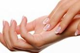 Bàn tay phụ nữ chứa nhiều vi khuẩn