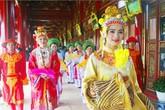 """Ngắm Hoàng hậu đẹp rạng ngời """"sống lại"""" trong cung vua Nguyễn"""