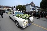 Choáng với dàn siêu xe trong đám ma cựu trưởng làng giàu nhất Trung Quốc