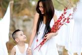 Những bà mẹ đơn thân mạnh mẽ của Vbiz