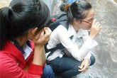 Cháy bằng đại học, nữ sinh viên khóc nức nở
