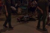 Đứt lìa đầu vì tông vào xe rác