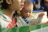 Những đứa trẻ làm 'kiếp ăn xin' trên phố Sài Gòn