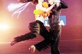 Bước nhảy hoàn vũ 2013: Bất đồng trên ghế nóng