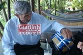 Cụ ông 70 tuổi vẫn ngày ngày vượt trăm km cắp sách tới trường nuôi chí ôn thi Cao học