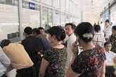 Mở rộng khám BHYT với các cơ sở y tế tư nhân: Góp phần giảm tải cho bệnh viện công lập
