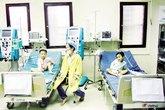 Vụ bố ép con uống thuốc diệt cỏ ở Hà Nội: Lọc máu liên tục cứu 3 cháu bé