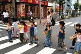 """Sửng sốt với cách nuôi dạy trẻ """"kỳ quặc"""" ở trường mầm non Nhật"""