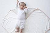 Ủ ấm bé sơ sinh đúng cách vào mùa lạnh