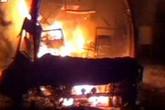 Cháy xe buýt kinh hoàng, hàng chục người thiệt mạng
