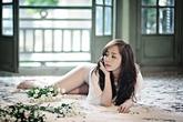 Quỳnh Nga đẹp gợi cảm với ren trắng