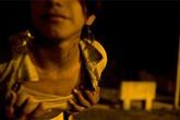 Cậu bé 16 tuổi làm nghề… buôn bán thân xác