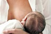Nguyên nhân và cách khắc phục khi bé lười bú mẹ
