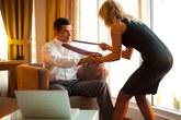 4 lý do không nên hẹn hò nơi công sở