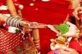 Nhốt con gái trong phòng không cho lấy chồng
