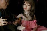"""Cơn nghiện """"nhân tình cao su"""" của quý ông Nhật Bản"""