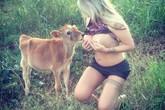 Những người phụ nữ thích để động vật bú