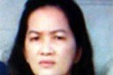 Người vợ đầu độc trung tá cảnh sát bình thản hầu tòa