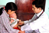 Gia đình có 4 trẻ sơ sinh tử vong vì bú mẹ
