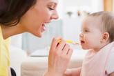 Tư vấn điểu chỉnh chế độ ăn để bé tăng cân tốt