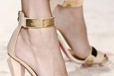 """Ankle strap sandal - xu hướng giày """"khuấy đảo"""" Hè 2013"""