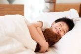 Các mẹ dùng độc chiêu dụ con ngủ trưa