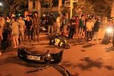 Nữ tài xế lái ôtô bỏ chạy sau tai nạn dưới chân cầu Rồng