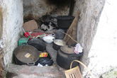 Bà lão bán trà đá ham mê làm từ thiện