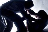 Chồng rủ họ hàng cưỡng hiếp vợ