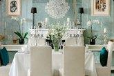 Phòng ăn 'hút' mắt với phong cách cổ điển
