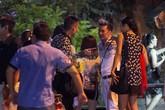 Đàm Vĩnh Hưng mở tiệc mừng chiến thắng cho Dương Triệu Vũ