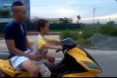 Sốc với bé trai 10X cưỡi xe phân khối lớn