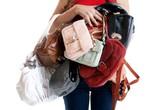 Túi xách phụ nữ nhiều vi khuẩn hơn... nhà vệ sinh