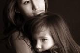 Bị chồng chì chiết vì sinh con đẹp