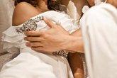 Chồng đòi ly hôn vì tình cũ mồi chài