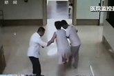 Đẻ rơi con ở ngay hành lang bệnh viện